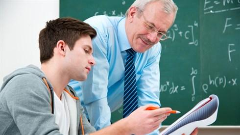 האם מותר לפטר מורה?